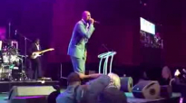 Isaac Carree honors Kim Burrell with Zacardi Cortez, Essence Festival 2015.flv