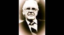 Leonard Ravenhill  Die, Wait, And Get Alone