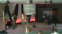 Heilungsgottesdienst _ Culto de Cura e Libertação (Evangelist Daniel Schott)- 27.04.2014 (HD).flv