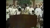 Rev. Clay Evans & The Fellowship Mass Choir - Praise Him.flv