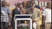 Dr Lawrence Tetteh - Testimonies on the Miracles (Presby Nima Crusade, 2012).mp4