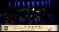 Prophet Manasseh Jordan - Pastor Barret Johnson begins to pray @ Miracle Crusade.flv
