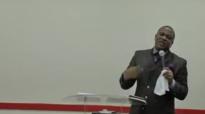 Bishop Elisé Mulumba à la maison roi 30 10 2011 part4.flv