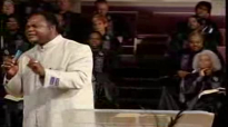 Bishop Patrick Mmuokebe Preaching in Monroe Ohio, USA!.flv