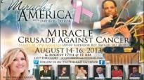 David E. Taylor - Lady Miraculously Healed of 6 tumors in Miracle Crusade.mp4