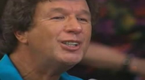 Bill & Gloria Gaither - Through It All (Live).flv