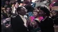 Willie Neal Johnson & the Gospel Keynotes - Give the Lord a Praise.flv