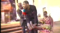 Short Leg Grows As Dr. Lawrence Tetteh Ministers @ Swag Up For JESUS 2014.mp4