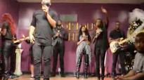 Javis Mays Intimate Worship Victorious Life.flv