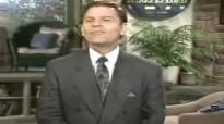 Kenneth Copeland - Maturing In Faith (11-19-89) -  (2)