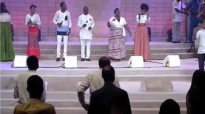Lagos Community Metropolitan Gospel Choir Session at The African Praise Experience 2016.mp4