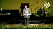 Pastor Chuy Olivares - Buscando las cosas de arriba.compressed.mp4