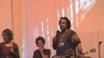 Mike Pilavachi Singing.mp4