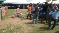 That is King David's dance in Owerri prison. Be not ashamed, just go ahead and dance it in your chur.mp4