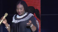 Yvonne ChakaChaka recieves a gift. Kansiime Anne. African comedy.mp4