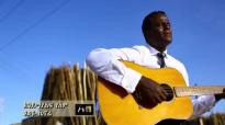 TSEGAYE KENORE New Amharic Mezmur እንደማያልፍ የለም 2016.mp4