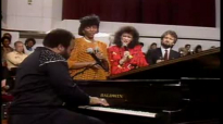Andrae Crouch Tell Them.flv