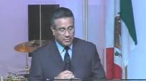 Pastor Chuy Olivares - El Evangelio, escándalo y locura.compressed.mp4