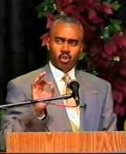 Pastor Gino Jennings